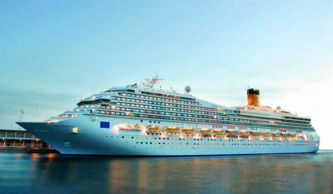 Barco de Cruceros Costa Mágica