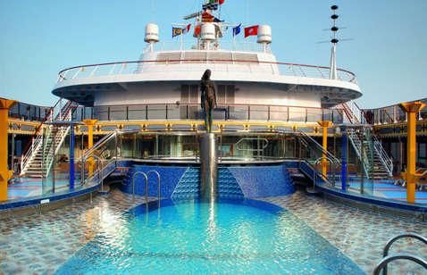 Imagen de una Piscina del Barco Costa Mediterranea
