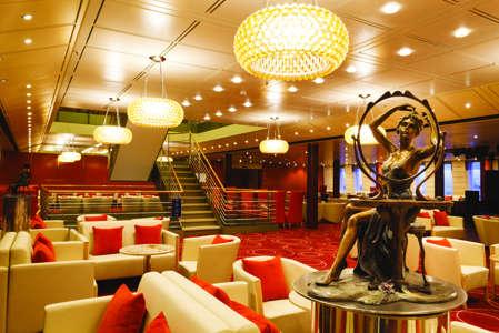 Imagen del Grand Bar Piazza Navona del barco Costa neoClassica