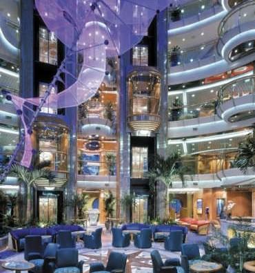 Imagen de la Recepción del barco Brillance of the Seas