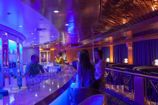 Imagen de la Discoteca La Voile Bleu del barco Zenith de Croisieres de France