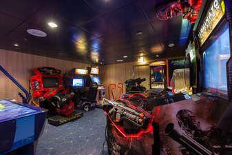 Imagen de la Sala de Video juegos del barco Zenith de Croisieres de France
