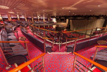 Imagen del Teatro Broadway del barco Zenith de Croisieres de France