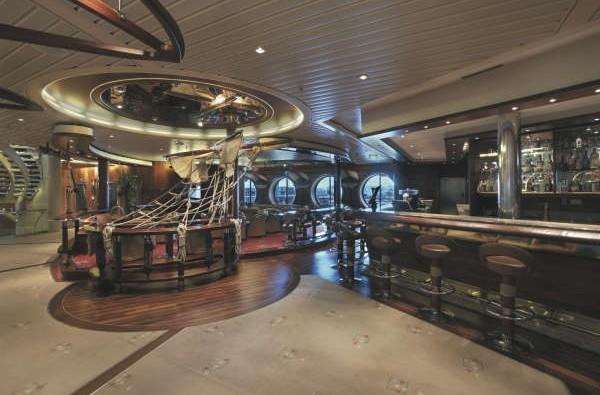 Imagen del Schooner Bar del Barco Explorer of the Seas