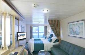 Imagen de un Camarote con balcón del barco Freedom of th Seas
