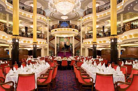 Imagen del Restaurante principal del barco Freedom of th Seas