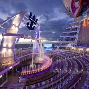 Imagen del Teatro Acuático del barco Harmony of the Seas