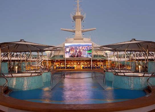 Imagen de la Pantalla de cine al aire libre del barco Rhapsody of the Seas