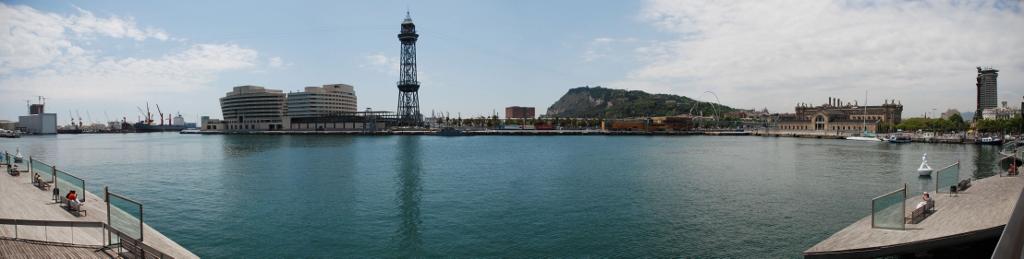 Consolidación del Port de Barcelona como puerto base con un 61% de cruceristas embarcados. sobre el Impacto Económico de la Actividad de Cruceros en Barcelona.Plan pionero de Mejora de la Calidad del Aire del Port de Barcelona
