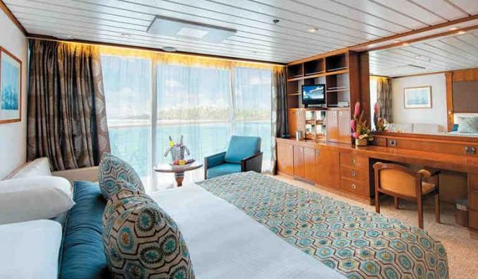 Imagen de un Camarote con balcón del barco Paul Gauguin