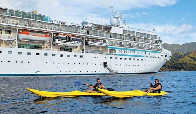 Kayaking del barco Paul Gauguin