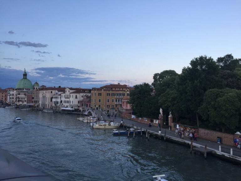 escale de croisière à Venise coucher soleil