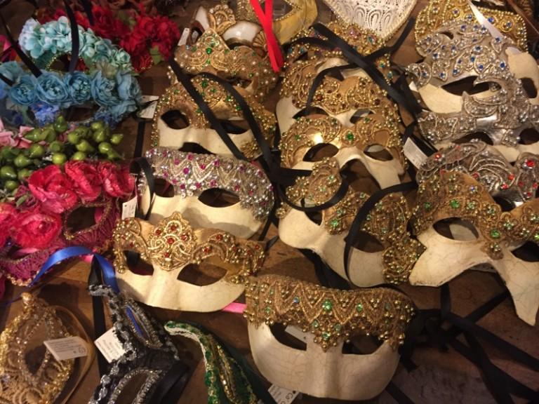 escale de croisière à Venise masque