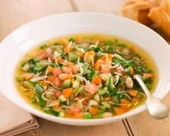 les 7 plats typiques de la cote d'azur. soupe au pistou