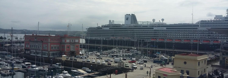 90 escalas de cruceros en A Coruña en 2018. Escala inaugural de ms Koningsdam de Holland America Line en el Puerto de A Coruña