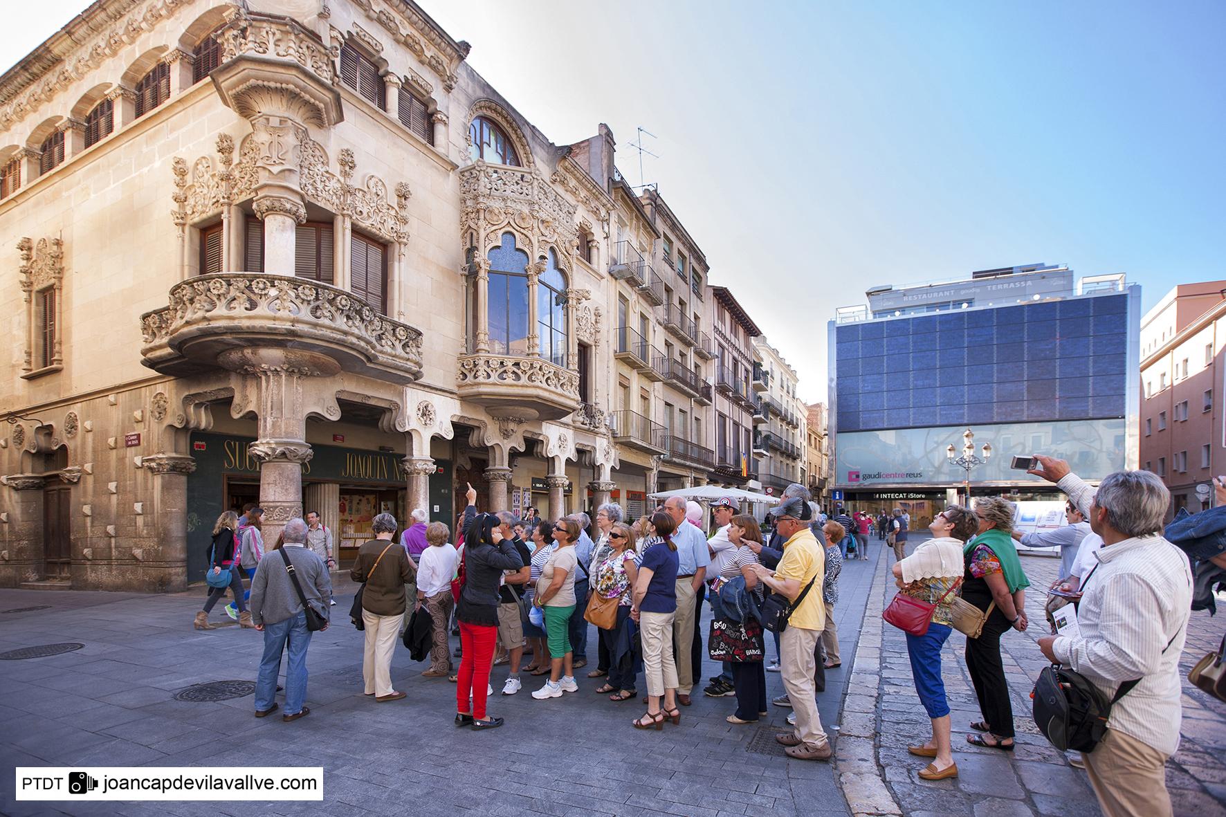 El Costa Victoria de Costa Cruceros hará cruceros desde Tarragona en 17 ocasiones en 2018. Puerto de Cruceros de Tarragona Patronat de Turisme de la Diputació de Tarragona