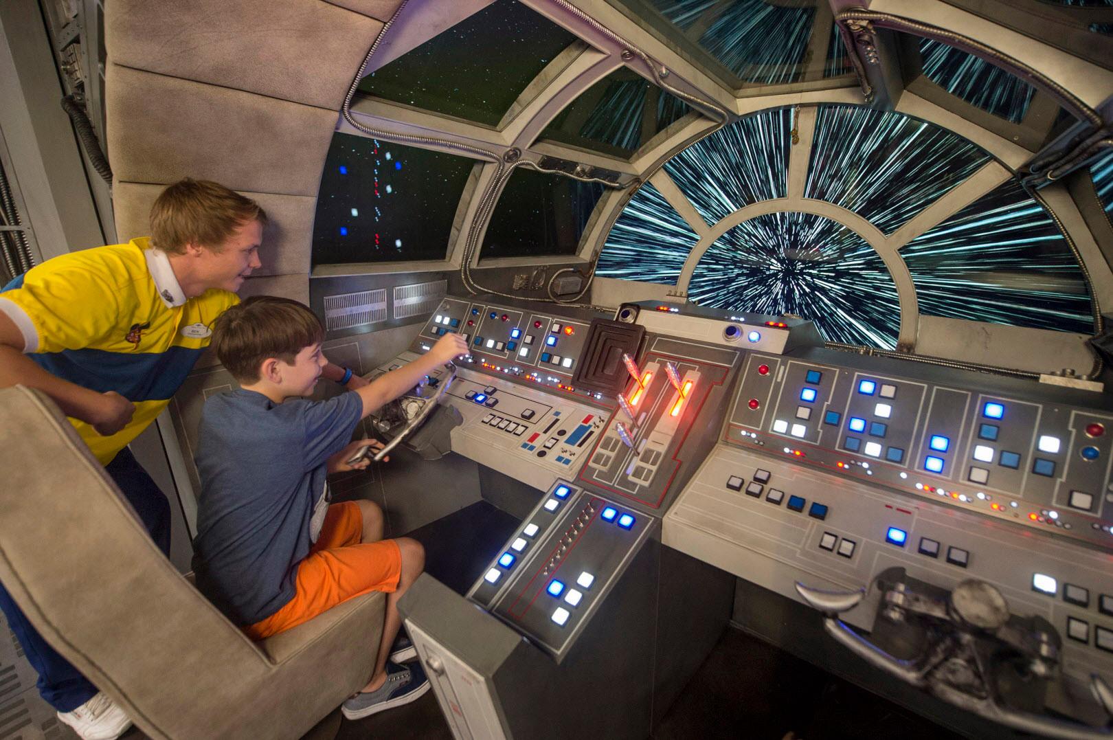 El Halcón Milenario hará las delicias de los fans de Star Wars que naveguen en los cruceros Disney. Foto Disney Cruise Line.