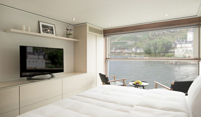 crucero-emerald-waterways-nudoss-Emerald_Panorama_Balcony_Suite