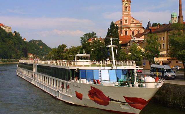 crucero-fluvial-a-rosa-riva-panavision-buque-miramar-cruceros-1