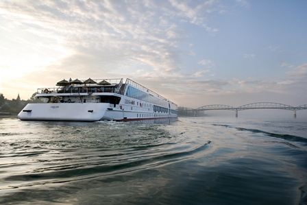 crucero-fluvial-a-rosa-riva-panavision-buque-miramar-cruceros
