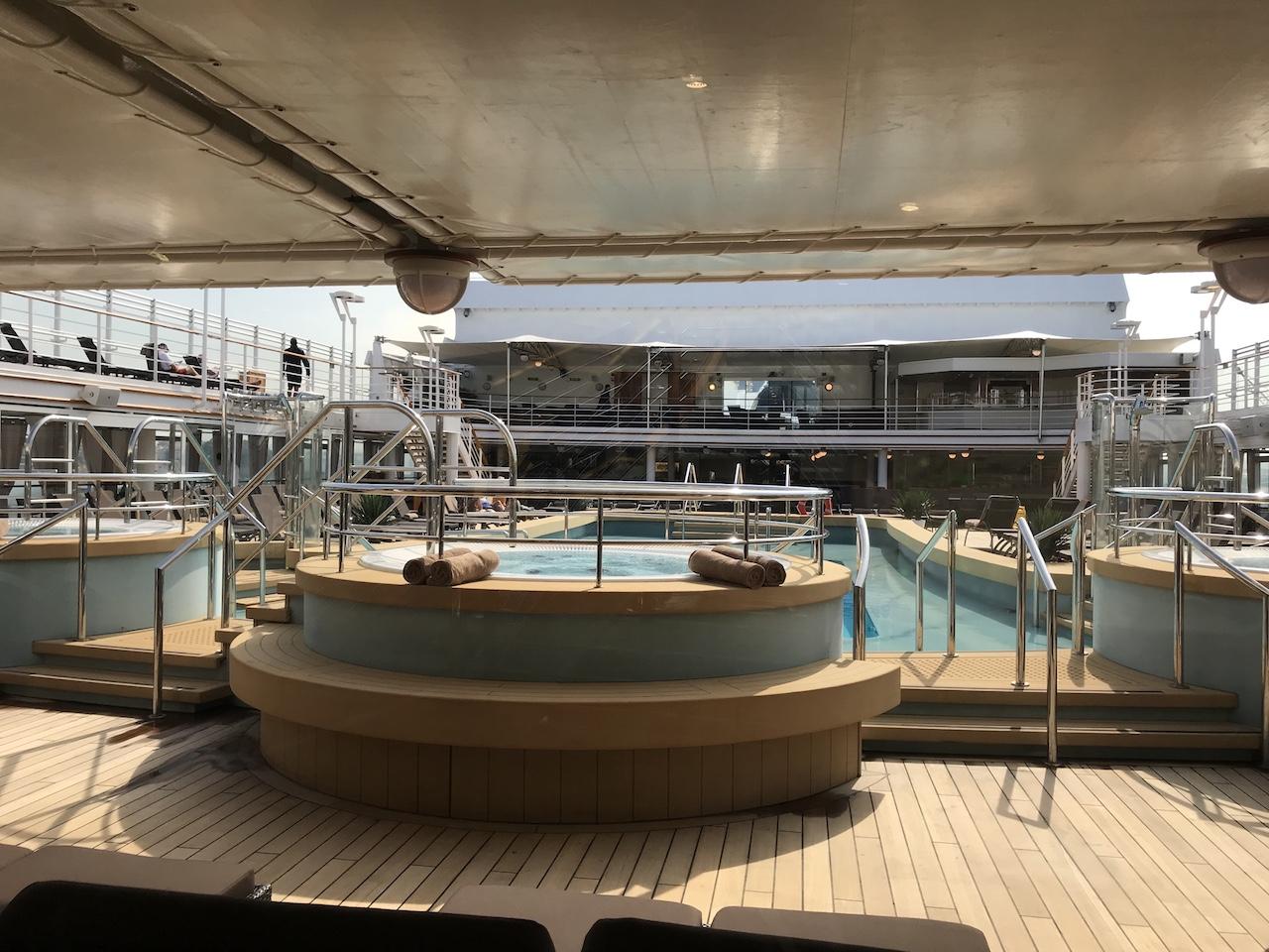5 razones para hacer un crucero íntimo en el Silver Spirit de Silversea