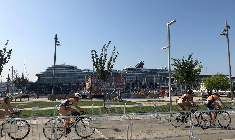 Primera escala en el Puerto de A Coruña del Mein Schiff 1 New de Tui Cruises