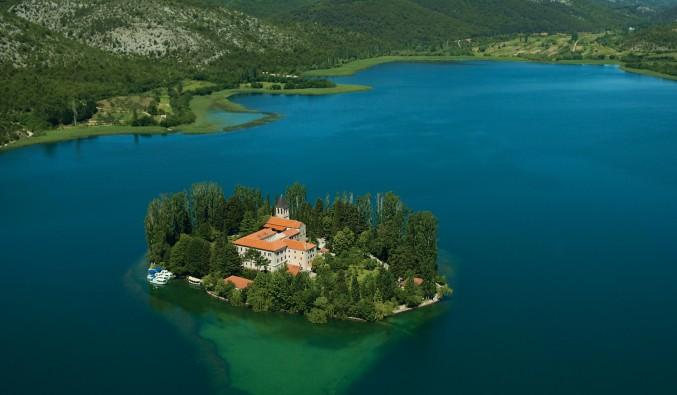 crucero-escala-sibenik-adriático-Sibenik - Krka NP - island of Visovac