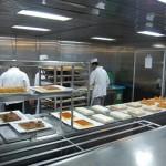 visita-a-las-cocinas-del-crucero-impresionante-las-cantidades-de-comida-que-aqui-se-hacen-cada-dia